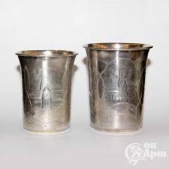 Два стакана с изображением домов